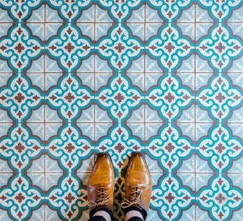 Image of Parisian floor mosaic tiles from a blog post by forthefloorandmore.com