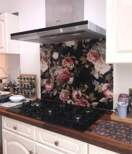 Image of Freya floral pattern splashback customer photo used in the testimonial page Loved By You at forthefloorandmore.com