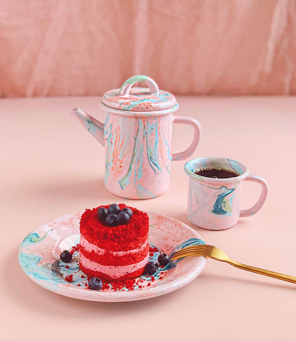 Image of a marble teapot, cup and saucer used in a style SS2019 blog post by forthefloorandmore.com