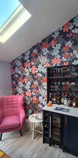 Customer photo of Elsa pattern wallpaper from forthefloorandmore.com